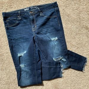 Mossimo mid rise distressed jeggings size 14